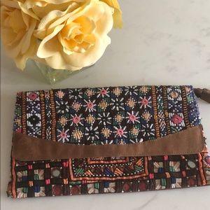 Handbags - Vintage Clutch
